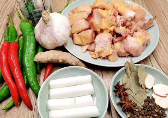 Thịt gà xào tỏi ớt theo đúng cách này, ăn không bị khét, không tanh, thịt mềm thơm ngon chuẩn vị