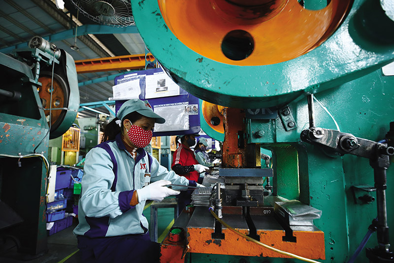 GDP quý III tăng trưởng âm 6,17%, 9 tháng tăng 1,42%
