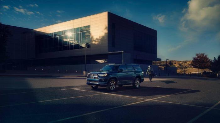 Toyota 4Runner TRD Sport 2022 được trang bị nhiều tính năng mới