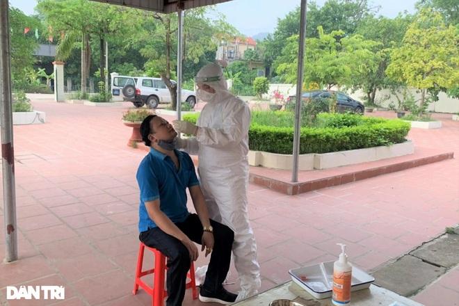 Công dân Ninh Bình từ TPHCM, các tỉnh phía Nam được đón về quê thế nào? - ảnh 1