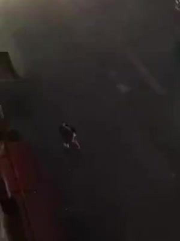 Bạn gái đòi chia tay, chàng trai giận dữ bạo hành lúc nửa đêm