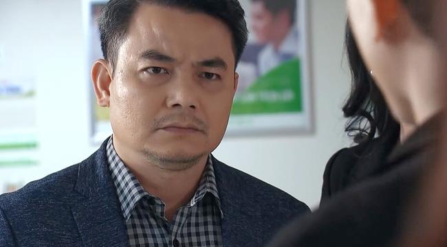 """Ông Khang """"Hương vị tình thân"""": Có con trai như hot boy, mới thi đỗ đại học nổi tiếng, được bố nuôi dạy khác hẳn trên phim"""