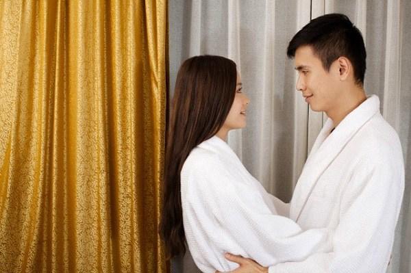 Lấy chồng hơn nhiều tuổi tưởng được chiều chuộng, tân hôn chồng làm 1 việc tôi cay đắng bỏ đi