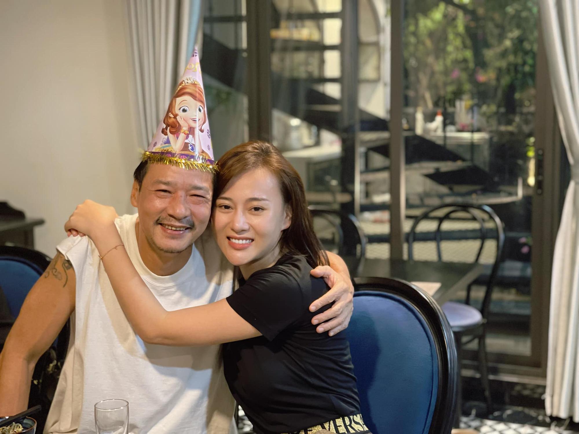 """Sinh nhật Phương Oanh, Hồng Đăng chúc mừng quá """"mặn"""" nhưng không gây chú ý bằng """"người yêu cũ shark Long"""""""