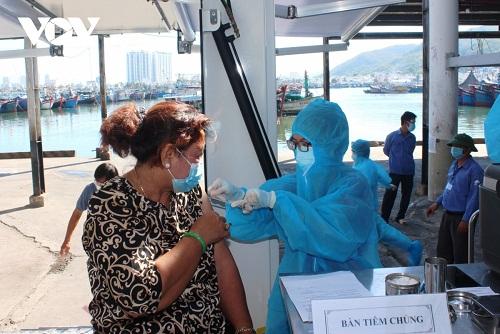 """Người có """"thẻ xanh Covid-19"""" ở Khánh Hòa sẽ được tham gia các hoạt động xã hội"""