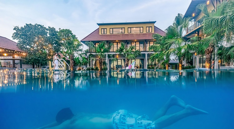 Người phụ nữ chi tiền mua mảnh đất 6000m2 ở Ba Vì, xây resort mini cho cả gia đình nghỉ dưỡng