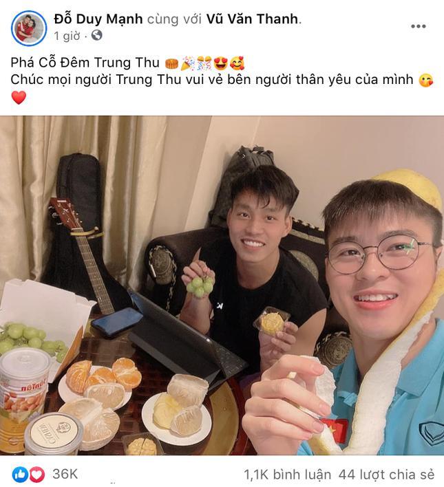 Cầu thủ tuyển Việt Nam vui Trung thu: Xuân Trường khiến dân mạng không thể nhịn cười - ảnh 1