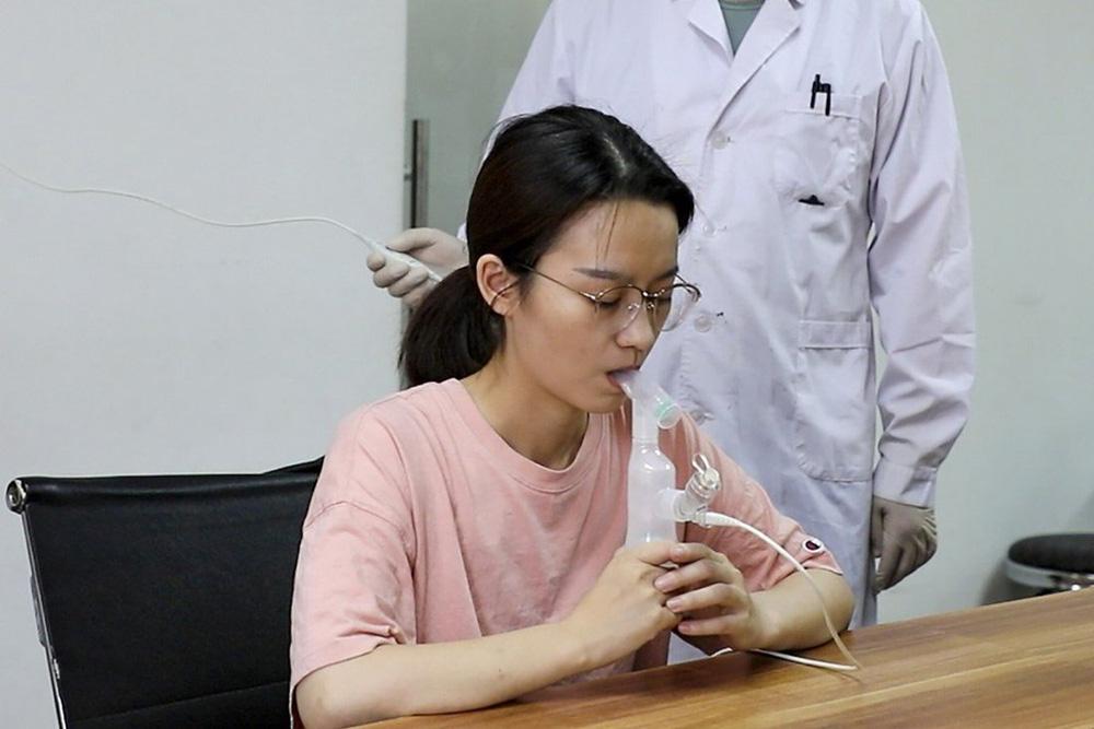 Trung Quốc có thể sắp có vaccine COVID-19 dạng hít đầu tiên trên thế giới