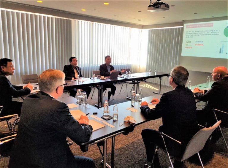 Lãnh đạo Vinatex gặp gỡ đối tác nhập khẩu hàng may mặc tại châu Âu