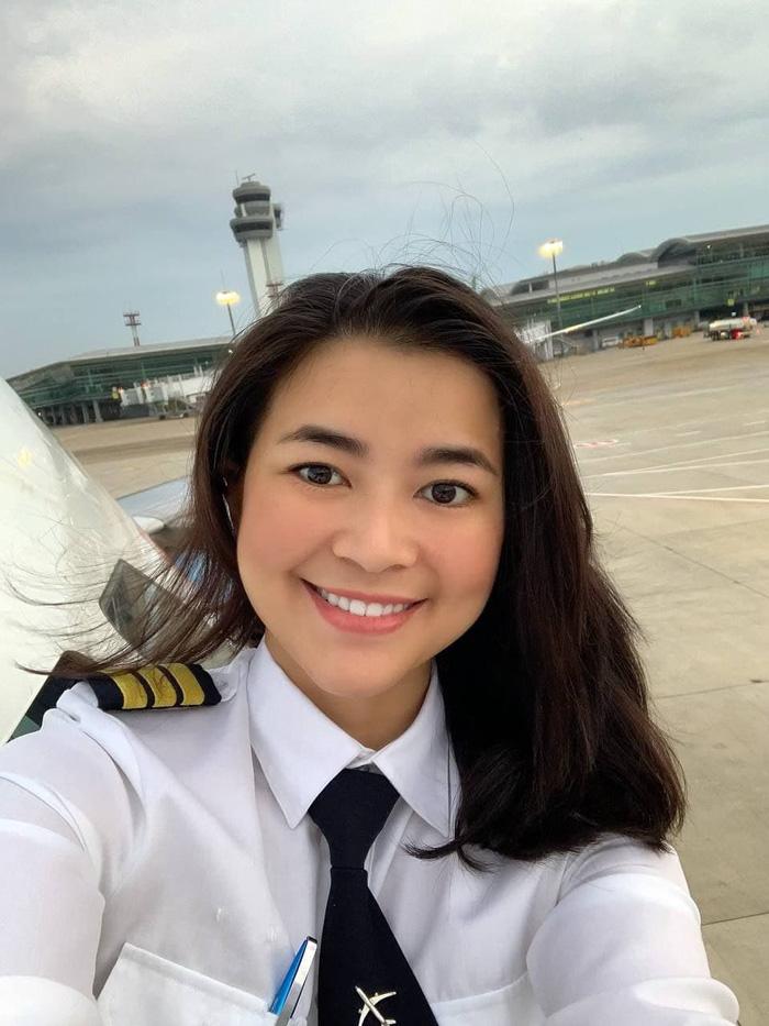 Nữ phi công tiết lộ bí quyết giảm 10kg trong 5 tháng