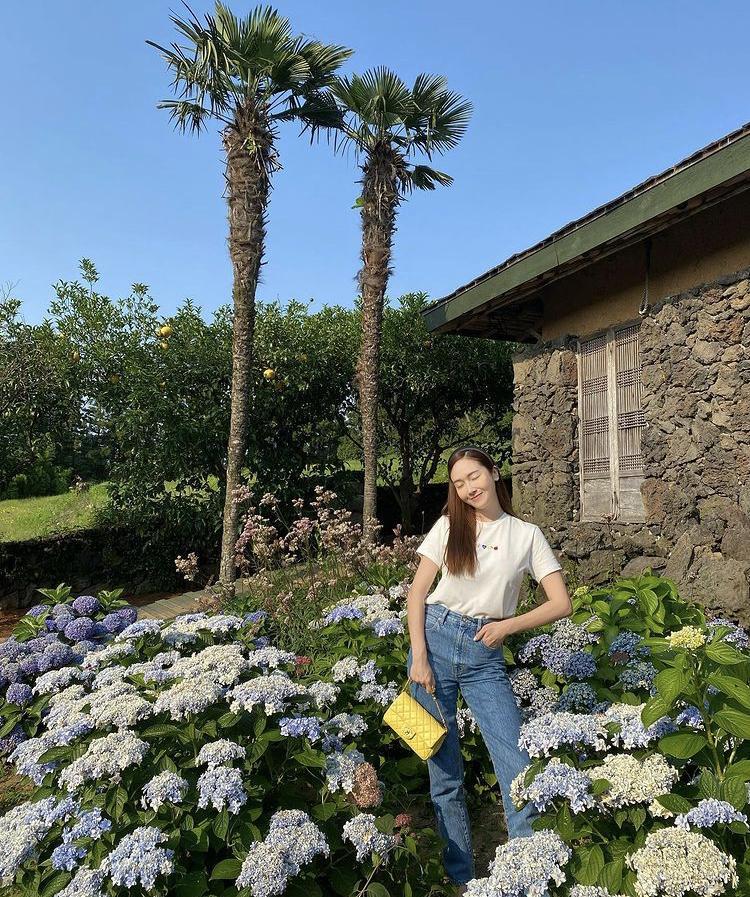 Công thức mix đồ đơn giản siêu đẹp như chị em Jessica – Krystal