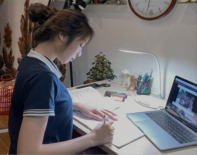 Sinh viên học trực tuyến kéo dài: Báo động chất lượng nguồn nhân lực