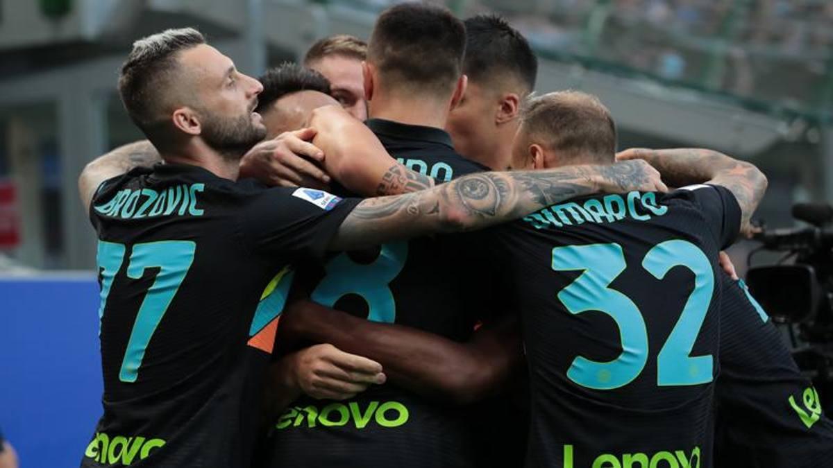 Đội hình tiêu biểu vòng 4 Serie A: Hàng thủ Napoli, cặp sen đầm Inter - ảnh 1