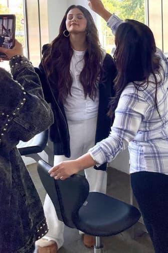 Ảnh hậu trường tố vóc dáng thực sự của Selena Gomez: Bụng sồ sề, ngấn mỡ như vừa mới đẻ - ảnh 1