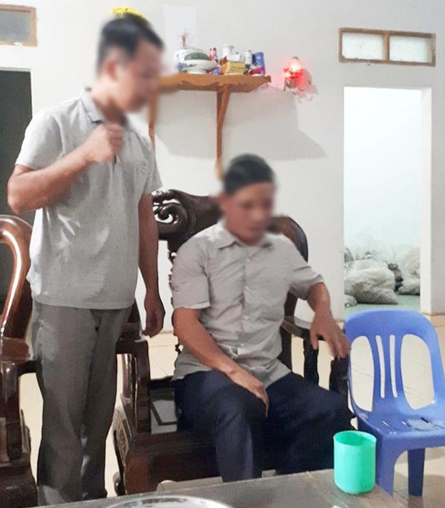 """SỐC: Chữa hiếm muộn bằng cách… """"quan hệ"""" với người bệnh ở Bắc Giang, bố đi xét nghiệm ADN mới vỡ lẽ vì 2 con càng lớn càng giống thầy lang"""