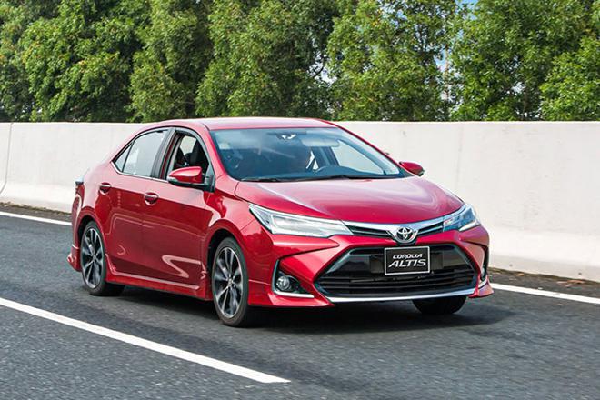 Giá xe Toyota Corolla Altis lăn bánh tháng 9/2021, tặng 2 năm bảo hiểm thân vỏ