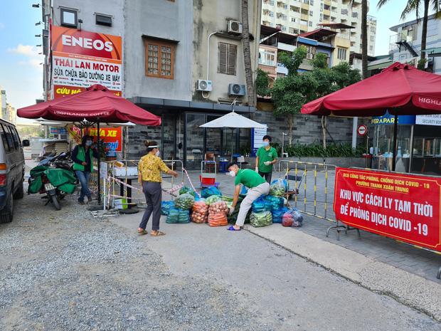 Hà Nội: Phong toả chung cư Rivera Park sau khi phát hiện ca F0 là cư dân bán hàng online cho rất nhiều người trong toà nhà