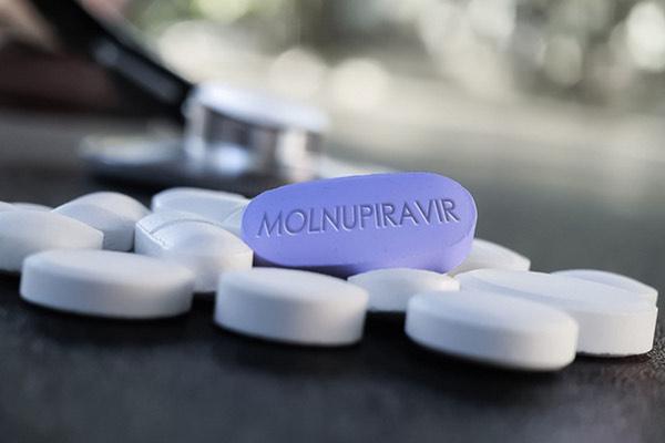 Cảnh báo hiện tượng rao bán thuốc điều trị COVID-19 chưa được cấp phép