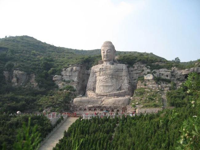 Bí ẩn bức tượng Phật lớn thứ 2 thế giới đột nhiên xuất hiện sau 700 năm