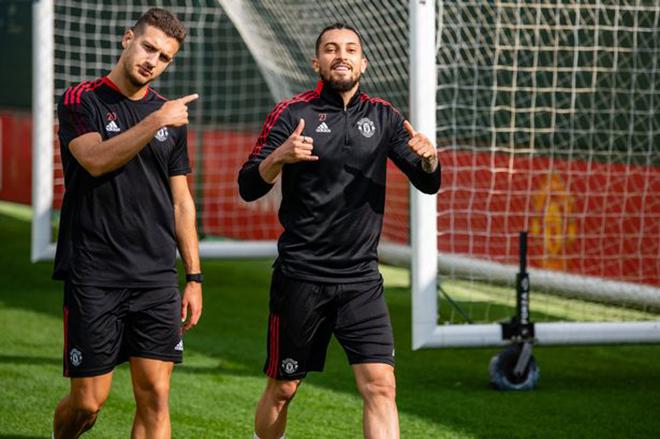 Bóng đá hôm nay 22/9: MU lộ đội hình đấu West Ham. PSG thông báo chấn thương của Messi - ảnh 1