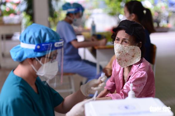 TP.HCM gửi yêu cầu cấp thêm 6 triệu liều vắc xin để tiêm đủ 2 mũi