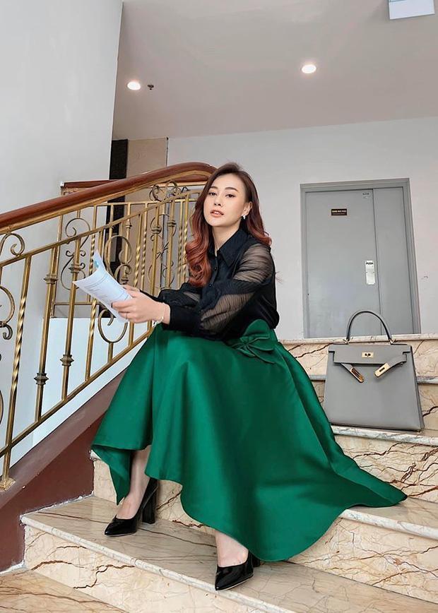 """Trước """"Hương Vị Tình Thân"""", Phương Oanh từng có loạt outfit rất ổn"""