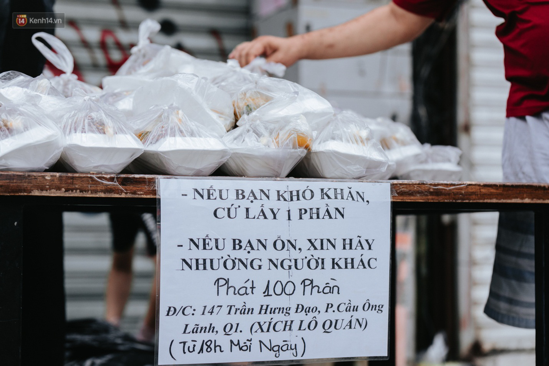 3 tháng trời đọc tin về Sài Gòn là ứa nước mắt, câu chuyện nào chạm đến trái tim bạn nhất?