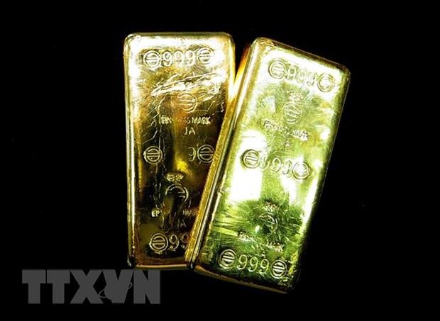 Giá vàng châu Á đi xuống do các nhà đầu tư giữ tâm lý thận trọng