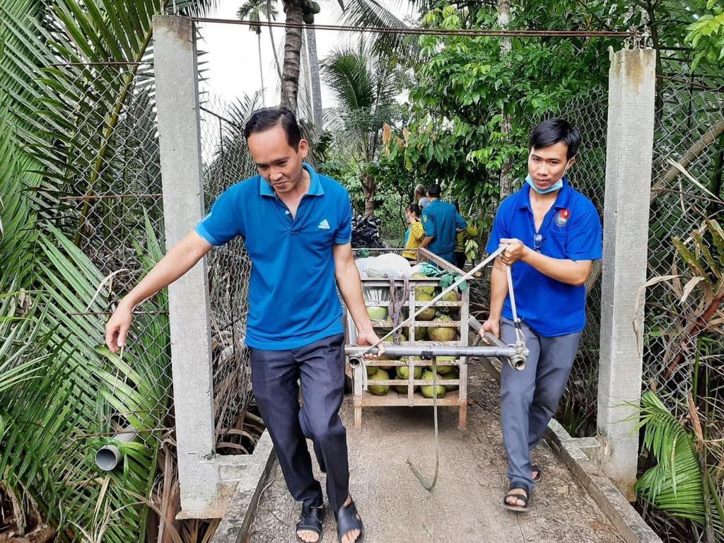 Cách người dân xứ dừa Bến Tre tiếp sức cho tuyến đầu tại TP.HCM - ảnh 1
