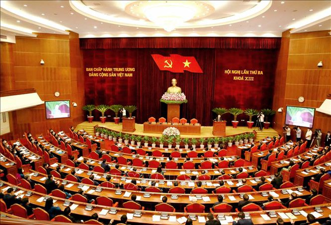 Bộ Chính trị: Ưu tiên bố trí, sử dụng cán bộ có tư duy đổi mới