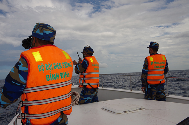Khẩn trương tìm kiếm ngư dân mất tích trên biển; đề phòng lũ quét, sạt lở đất