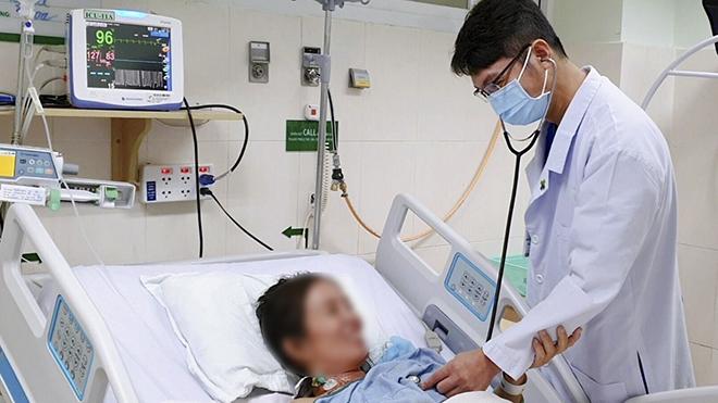 Cứu sống bệnh nhân suy đa cơ quan do uống thuốc dân gian để phòng Covid-19 - ảnh 1