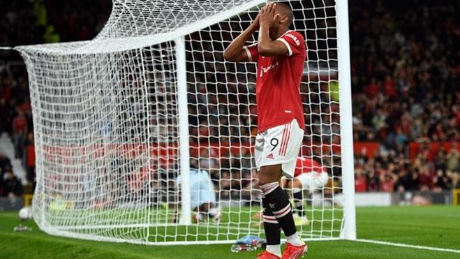 ĐIỂM NHẤN MU 0-1 West Ham: Vắng Ronaldo, MU không biết dứt điểm. Solskjaer gặp sức ép lớn