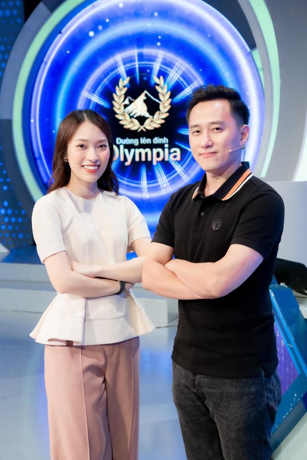 Điểm chung đáng ngưỡng mộ của cặp đôi MC Olympia Khánh Vy – Ngọc Huy