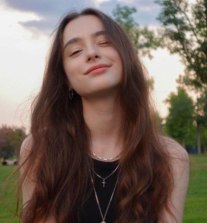 Hot girl Instagram khiến netizen loạn nhịp bởi sắc vóc thiên thần là ai?