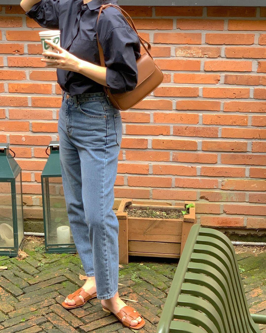 Hay đi giày bệt thì chị em hãy mặc 4 kiểu quần này: Không lo thấp đi mà vóc dáng còn cao ráo hơn hẳn