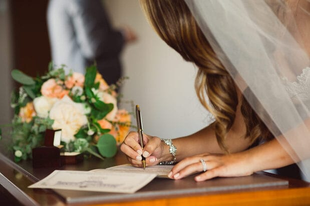 Đàn ông phải rớt nước mắt khi nghe câu trả lời: Kết hôn rồi đàn bà nhận lại được điều gì?