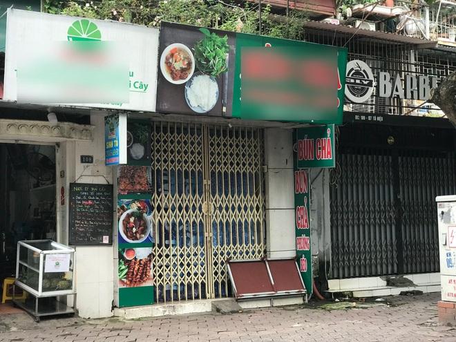 """Nỗi buồn quán """"vùng xanh"""": Thực phẩm tăng giá, cả sáng bán được 2 bát bún"""