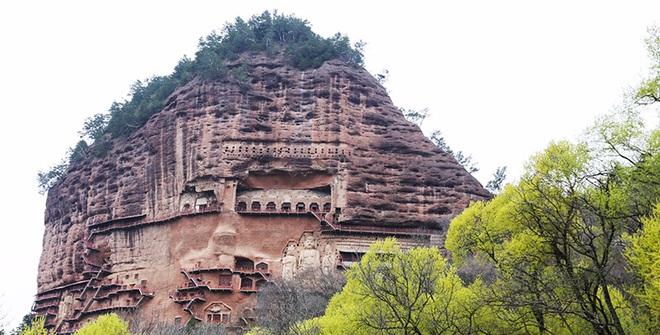 """Bí mật về hang động cổ chứa hàng nghìn tượng Phật """"ngàn năm"""""""