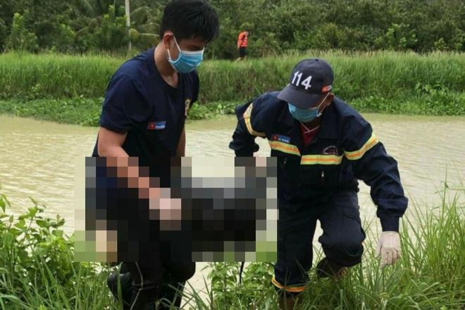 Trên đường đi cấp cứu, người đàn ông nhảy xuống kênh tự tử