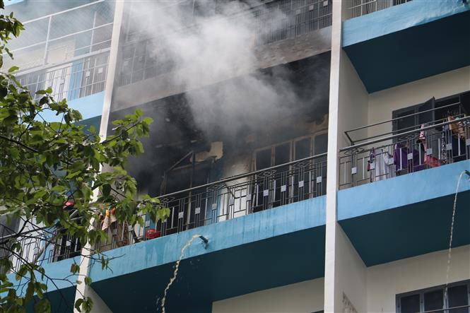Kịp thời dập tắt đám cháy ở ký túc xá Trường Đại học Kinh tế TP.HCM