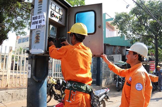 Điện lực Đồng Nai: Bảo đảm cấp điện ổn định, liên tục cho phục hồi sản xuất, ổn định cuộc sống