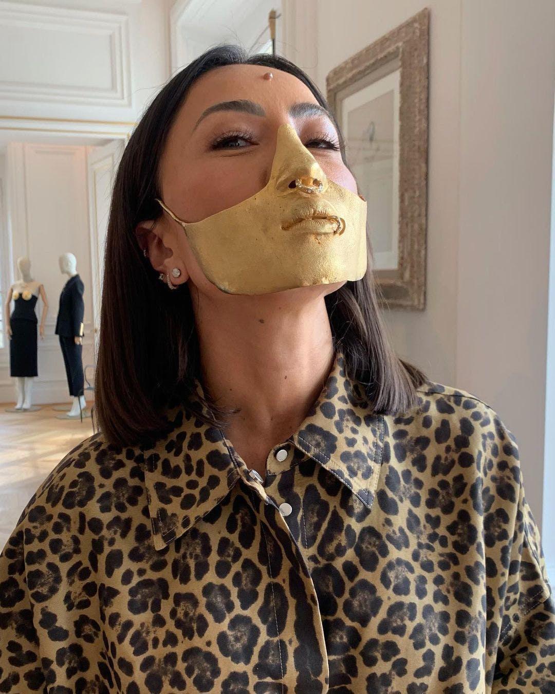 Zendaya lăng xê xu hướng đem tác phẩm điêu khắc lên quần áo - ảnh 1