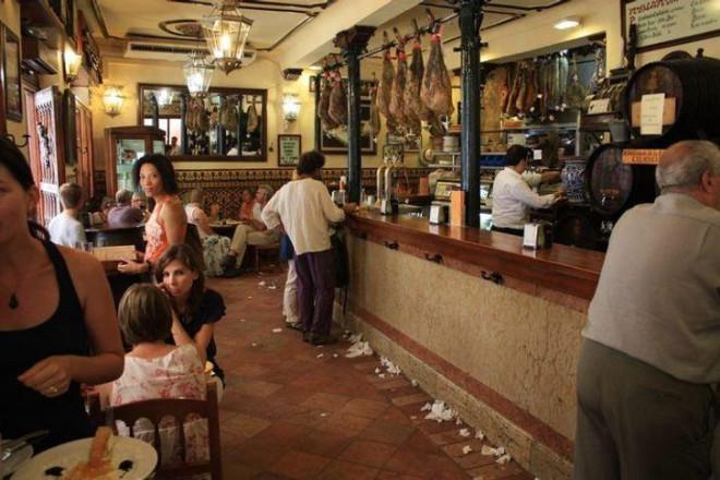 Những điều kỳ lạ ở nước ngoài khiến khách du lịch 'xỉu up xỉu down' - ảnh 1