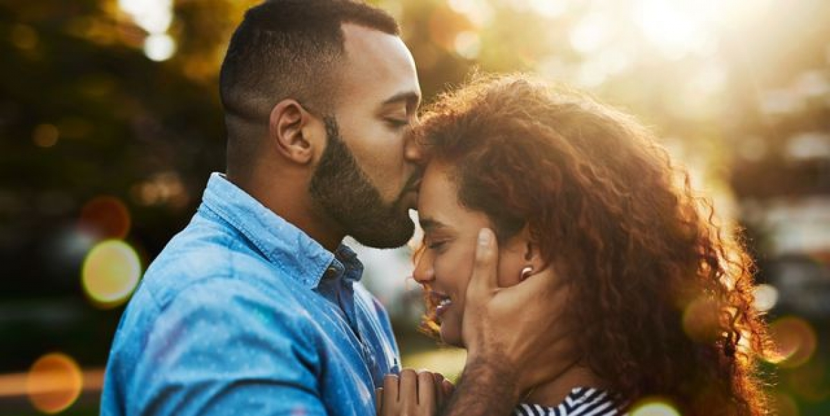 3 bí quyết giúp dễ dàng chia sẻ cảm xúc với bạn đời