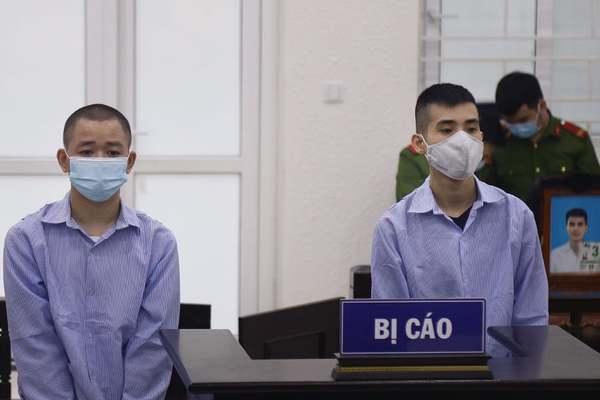 Chém nhau, hắt nước lẩu trong quán nhậu ở Hà Nội, một người tử vong