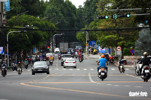 Người dân Đồng Nai được đi lại trong tỉnh, bỏ ''giấy đi đường'', chốt kiểm soát - ảnh 1