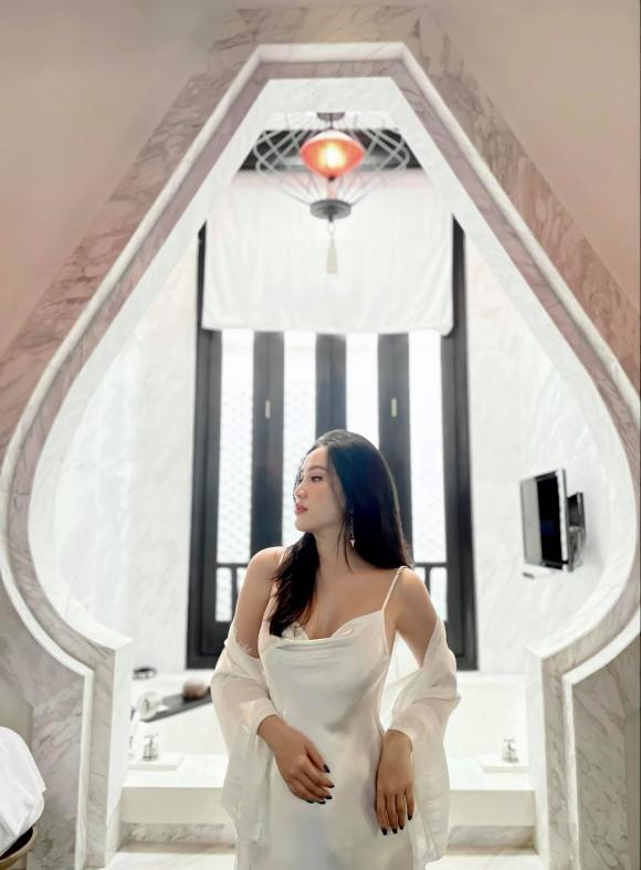 Bảo Thy để lộ vòng 2 to rõ rệt giữa nghi vấn mang thai con đầu lòng với chồng đại gia Phan Lĩnh