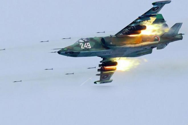 2 cường kích Su-25 Nga áp đảo một tốp máy bay F-22 của Không quân Mỹ?