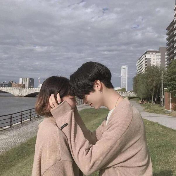 Dẫn vợ tương lai về ra mắt, chàng trai lập tức chia tay sau khi em gái đưa ra một tấm hình, sự thật gây choáng!